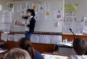 Maud et Watty sensibilisent les élèves de Sunliac aux économies de lumière