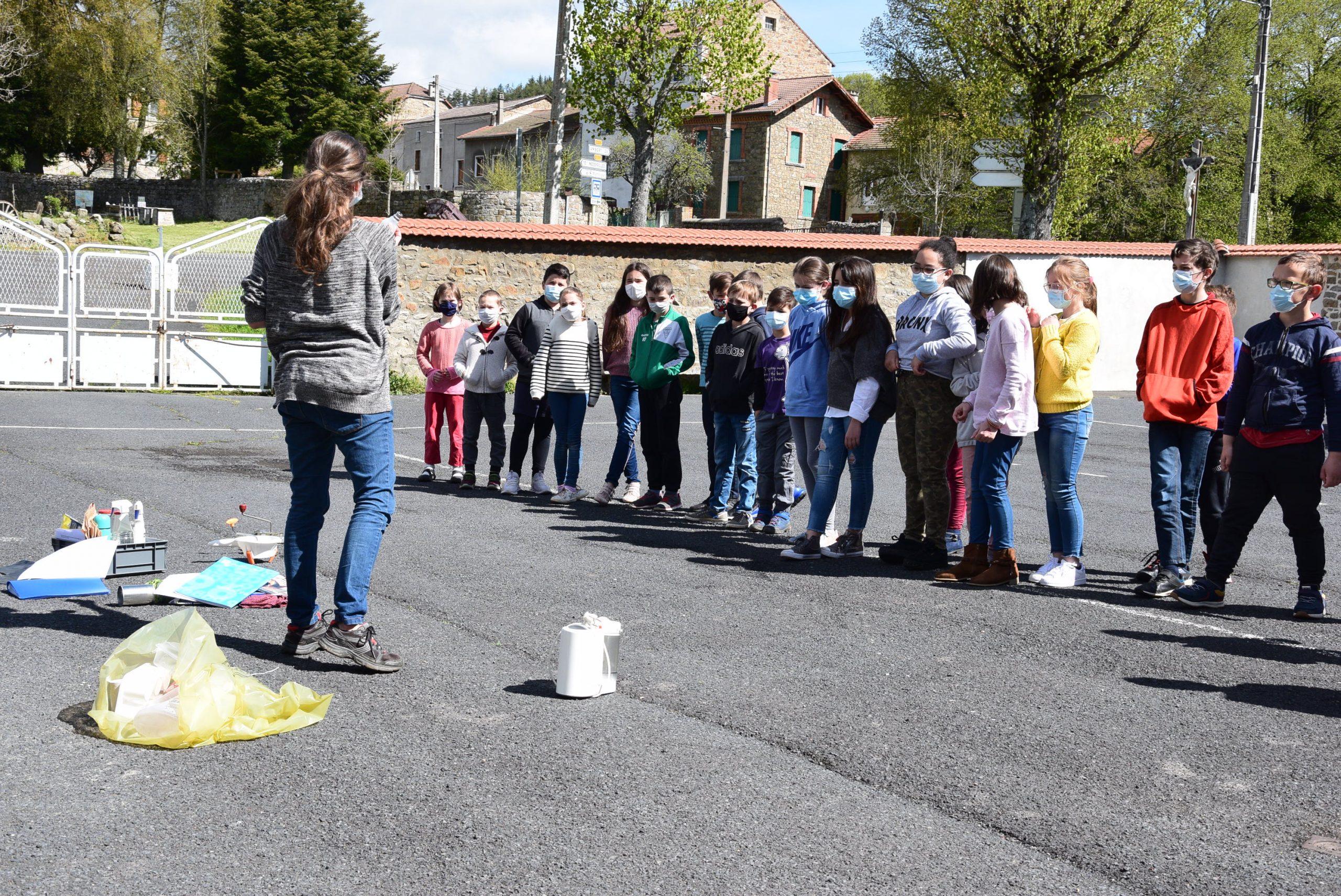 """séance """"déchets"""" à l'école de Viverols"""